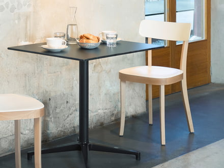 Outdoor bistro table by Vitra
