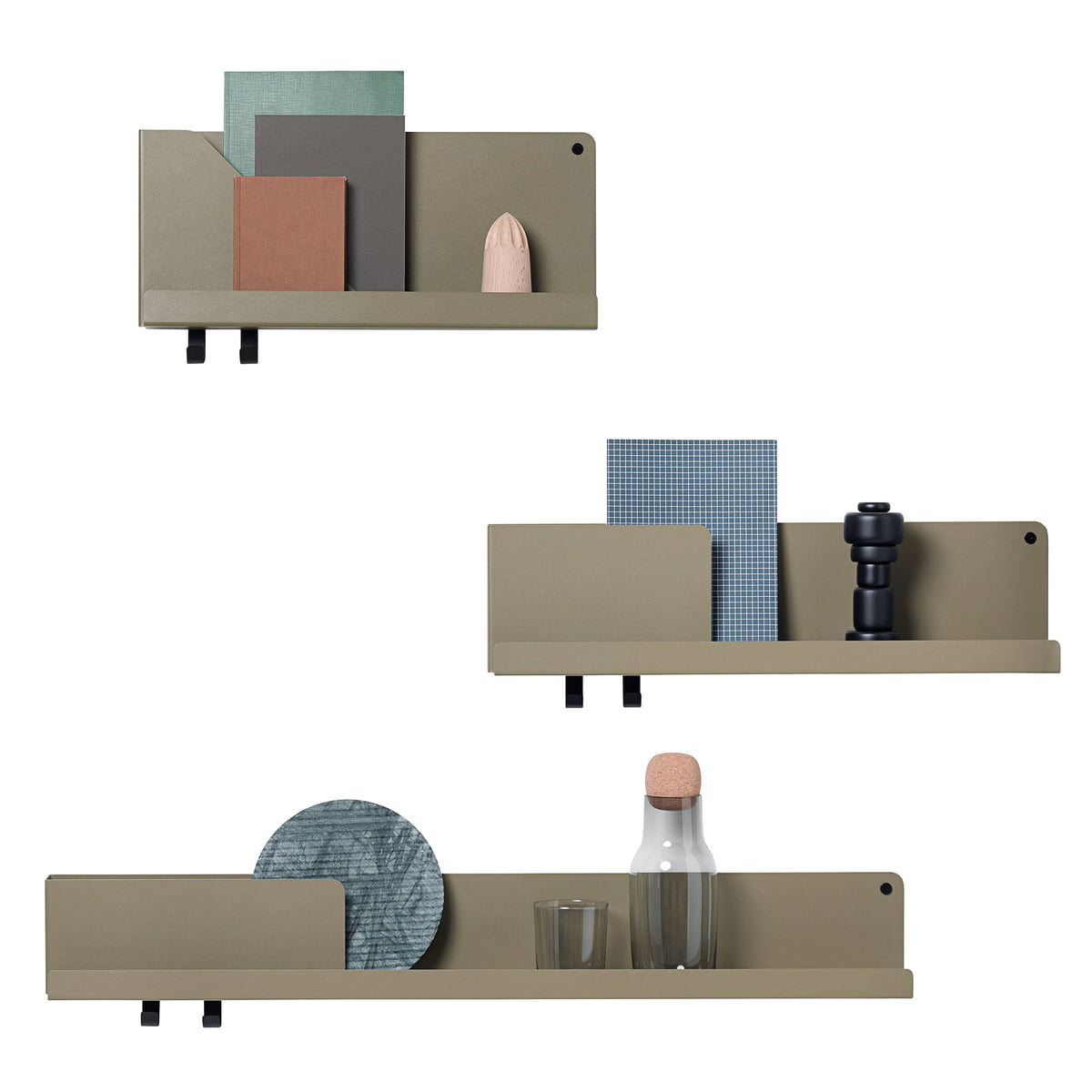 Discover the folded shelf in small by muuto in the shop for Petit bureau etagere