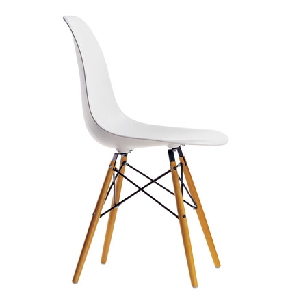 Vitra - Eames Plastic Side Chair DSW, yellowish maple / white - single image