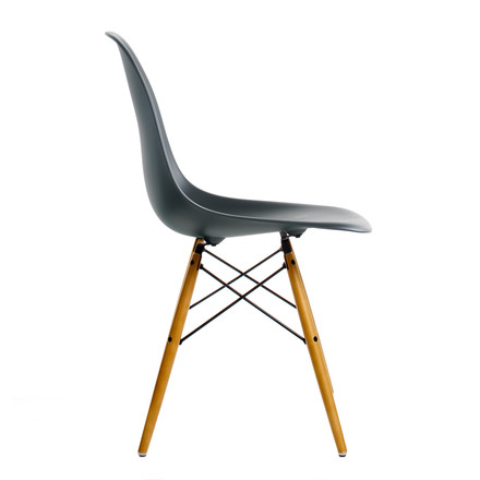 Vitra - Eames Plastic Side Chair DSW, yellowish maple / basic dark