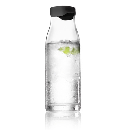 Menu A/S Water Carafe with lid, 1 litre - black
