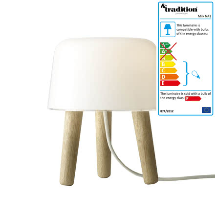 Milk table lamp by &tradition with white cable and oak wood feet