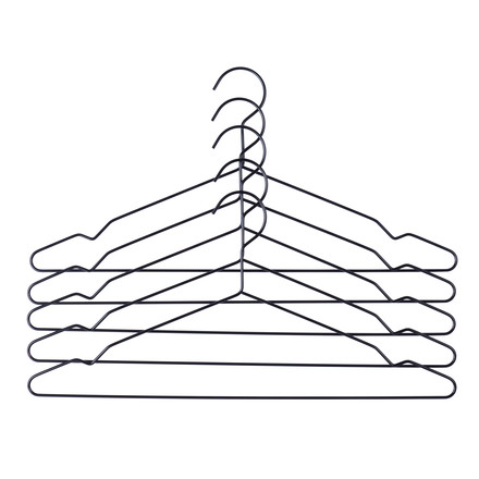 Single image of the Hang hangers set of 5 in black by the Danish brand Hay. The Hang hangers are simple steel hangers, that due to their dimensions of 42 x 0.4 x 20 cm (L x D x H) are ideally suitable to hang suits, jackets, trousers or shirts.