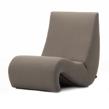 Vitra - Amoeba chair, truffle, single image