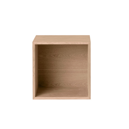 Muuto - Stacked oak with backwall, medium - single image