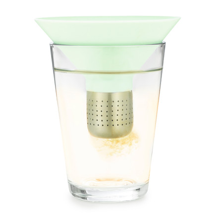 Normann Copenhagen - Tea Strainer, mint - in a glass
