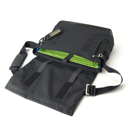 Moleskine - myCloud Messenger Bag - open, lying