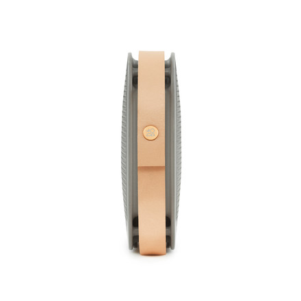 Bang & Olufsen - BeoPlay A2 grey, close-up of leather strap
