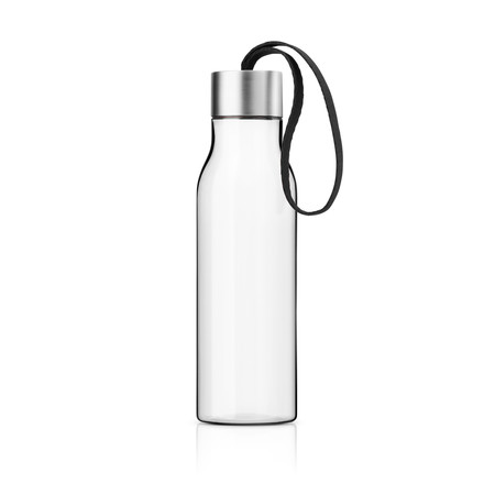 Single image of the Drinking Bottle in black by Eva Solo. The drinking bottle is dishwasher-safe (except the lid), withstands boiling water and is freezer-proof.