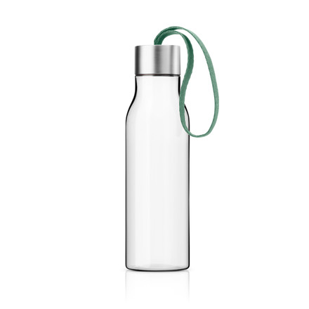 Single image of the Drinking Bottle in granite green by Eva Solo. The drinking bottle is dishwasher-safe (except the lid), withstands boiling water and is freezer-proof.