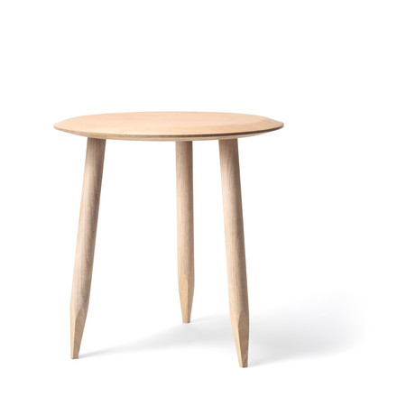 &tradition - Hoof Side Table SW1, Ø 50 cm, white oiled oak wood