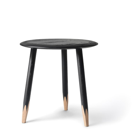 &tradition - Hoof Side Table SW1, Ø 50 cm, black oiled oak wood