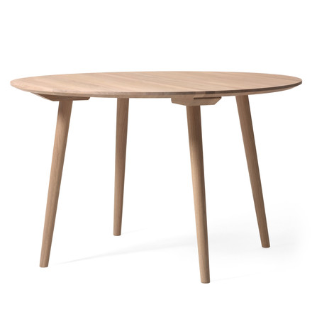 In Between table SK4 Ø 120 cm by &Tradition in oiled white oak