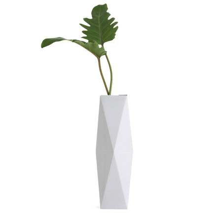 snug.vase high by Snug.studio in grey