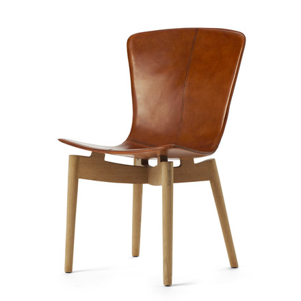 Shell Dining Chair by Mater made of soaped oak and brown saddle leather
