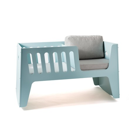 Rocky baby bed and cot by Jäll & Tofta in Pazifik with bed linen in grey