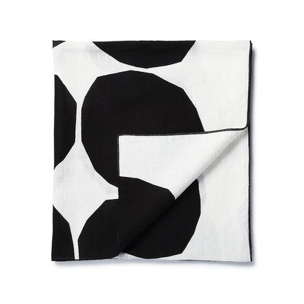 The Kivet cloth by Marimekko with a size of 150 x 220 cm in black / white