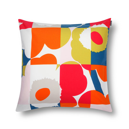 The Ruuto Unikko cushion cover is multicolored with a size of 50 x 50 cm