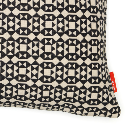 Pillow Facets, 40 x 40 cm by Vitra in black and white