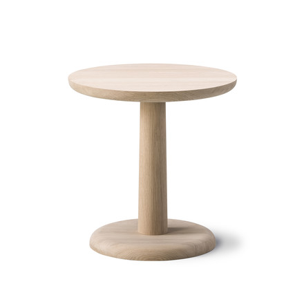 Pon Side Table 46.5cm by Fredericia in oiled oak