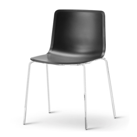 Pato 4 Leg Chair by Fredericia in black/chrome