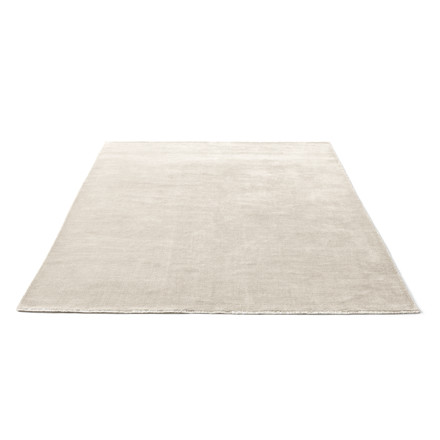 The &tradition - The Moor Rug AP7 with a size of 200 x 300cm in Beige Dew