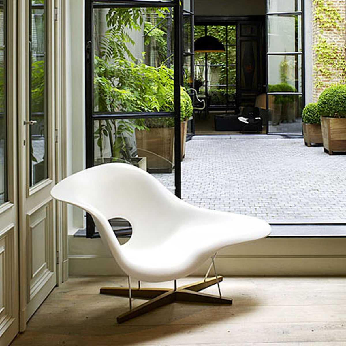 La chaise vitra shop for Chaise charles eames patchwork