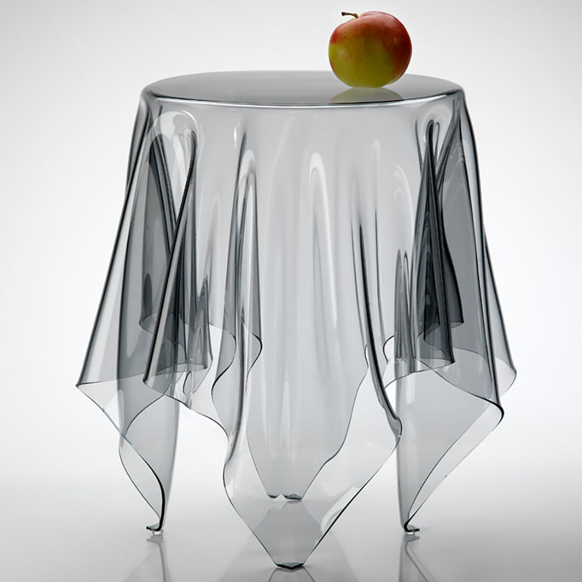 illusion  grand illusion table by essey - illusion side table transparent
