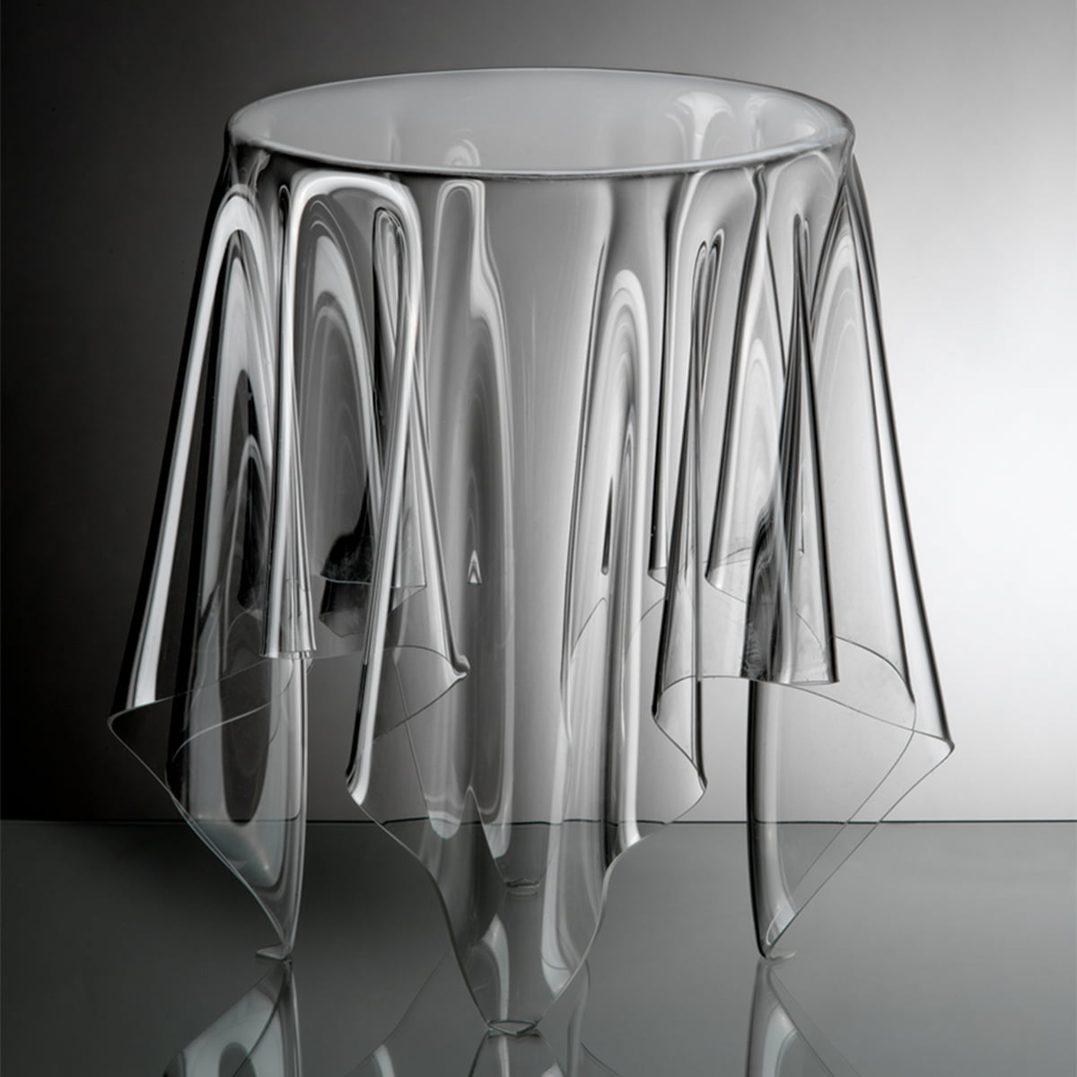 Illusion Side Table   Transparent