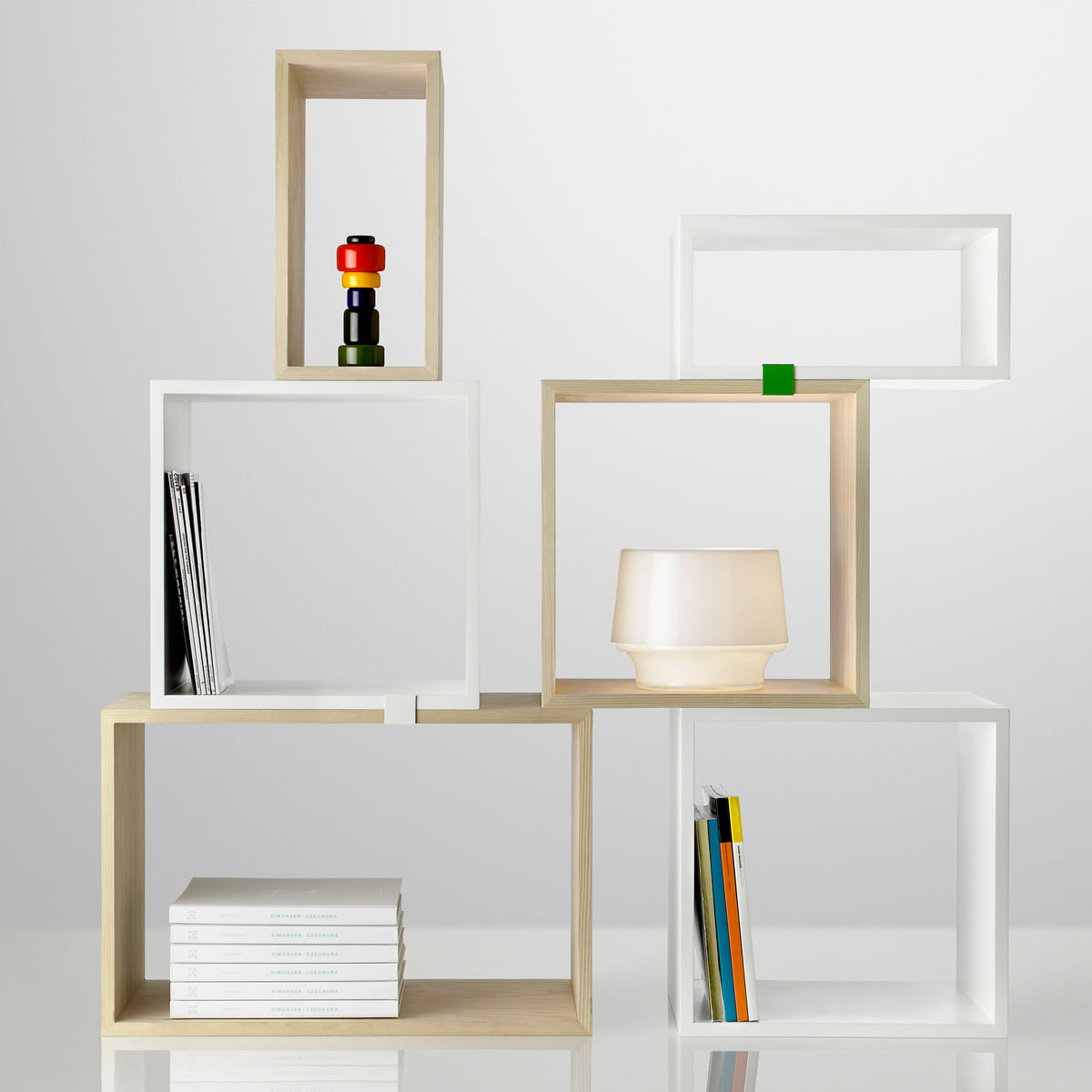 muuto stacked shelving system white. Black Bedroom Furniture Sets. Home Design Ideas
