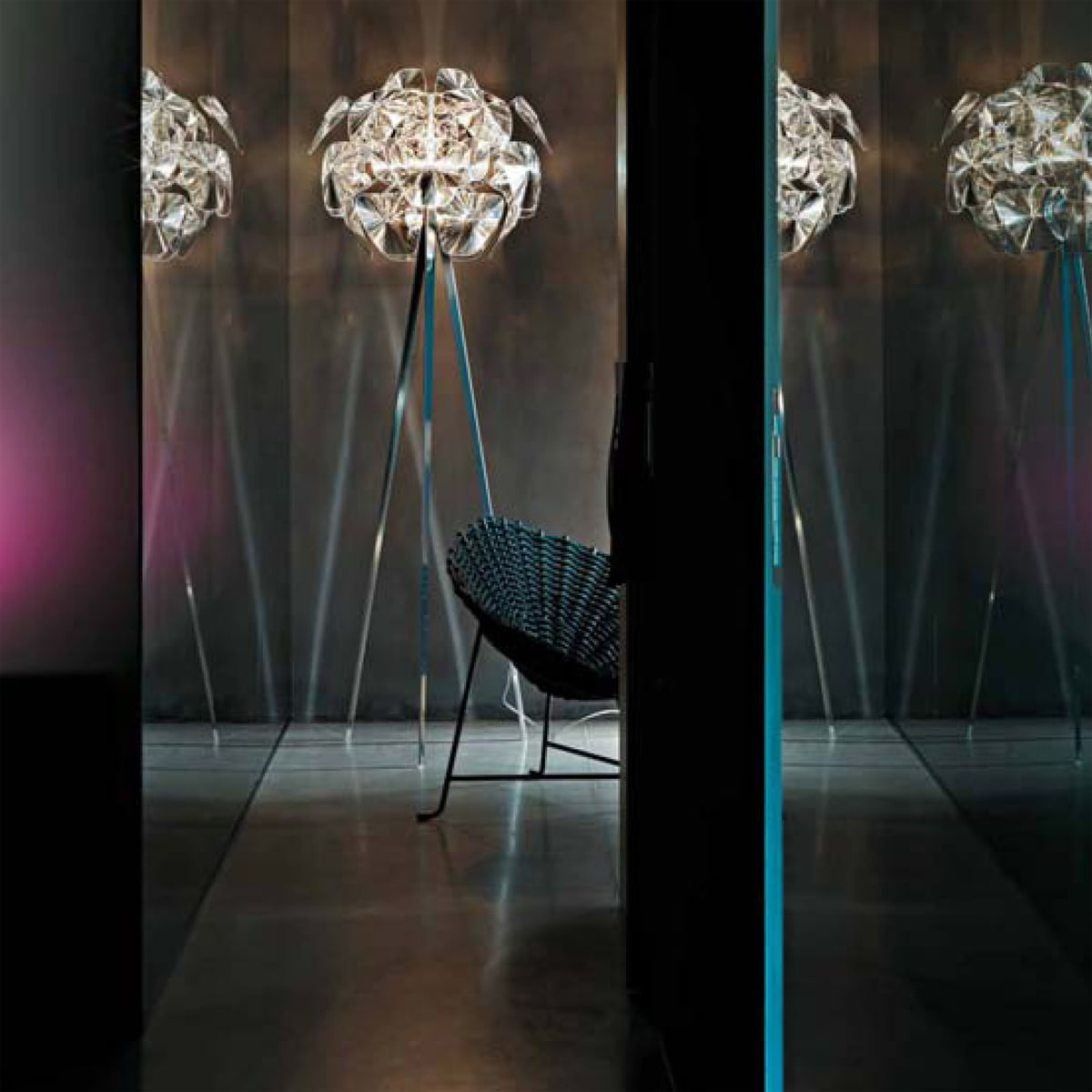 hope floor lamp by luceplan in the shop. Black Bedroom Furniture Sets. Home Design Ideas