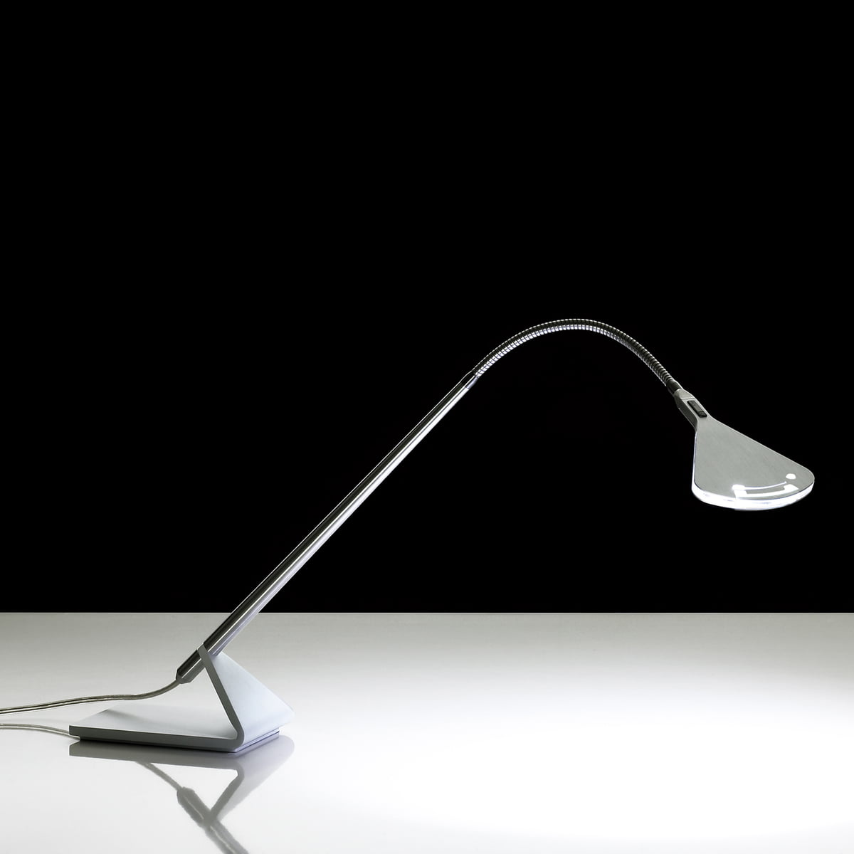 mix desk lamp by luceplan in the design shop. Black Bedroom Furniture Sets. Home Design Ideas