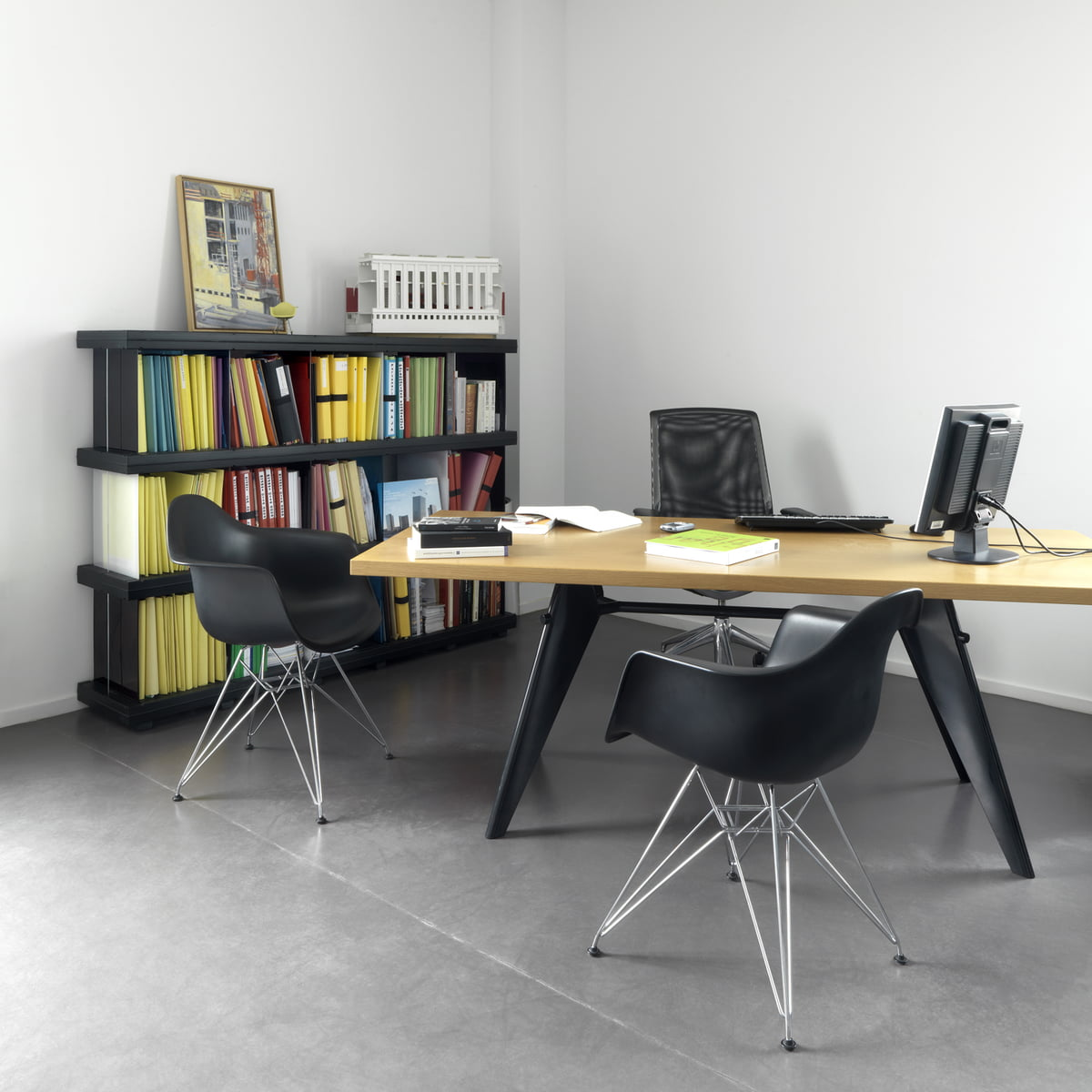 Eames Plastic Armchair Dar By Vitra