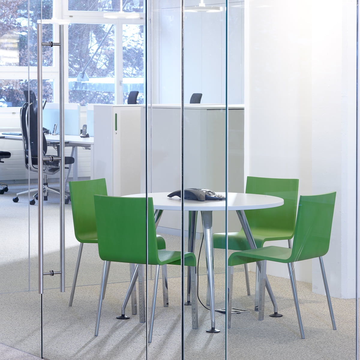 Discover the Vitra 03 Chair in our interior design shop – Vitra 03 Chair
