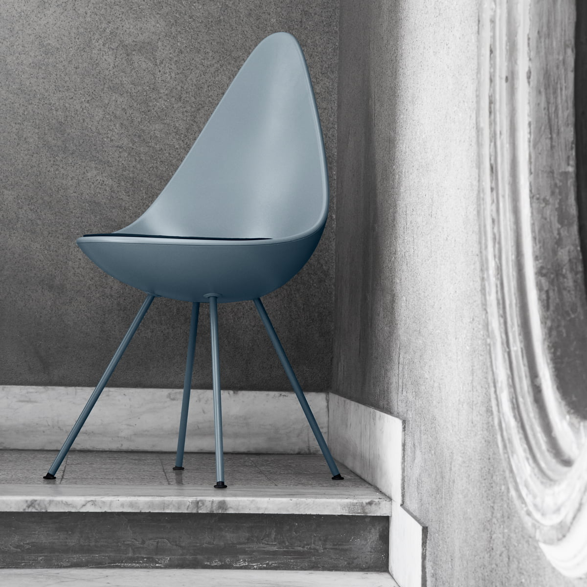 Arne jacobsen drop chair - Fritz Hansen Drop Chair