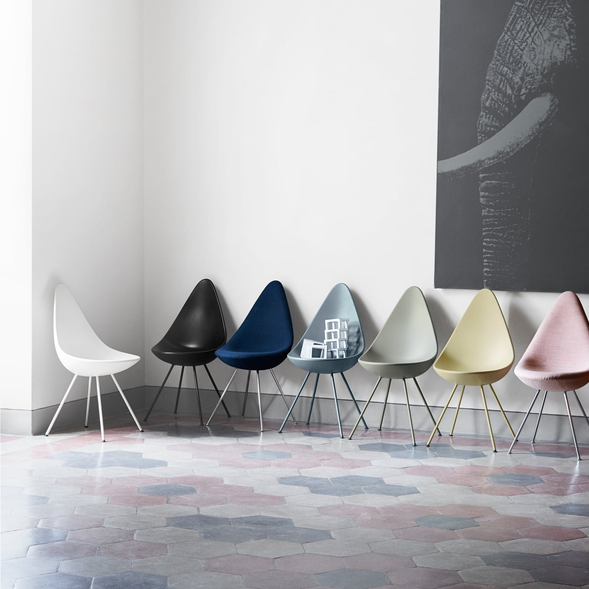 Jacobsen Stühle the drop chair by fritz hansen in the shop