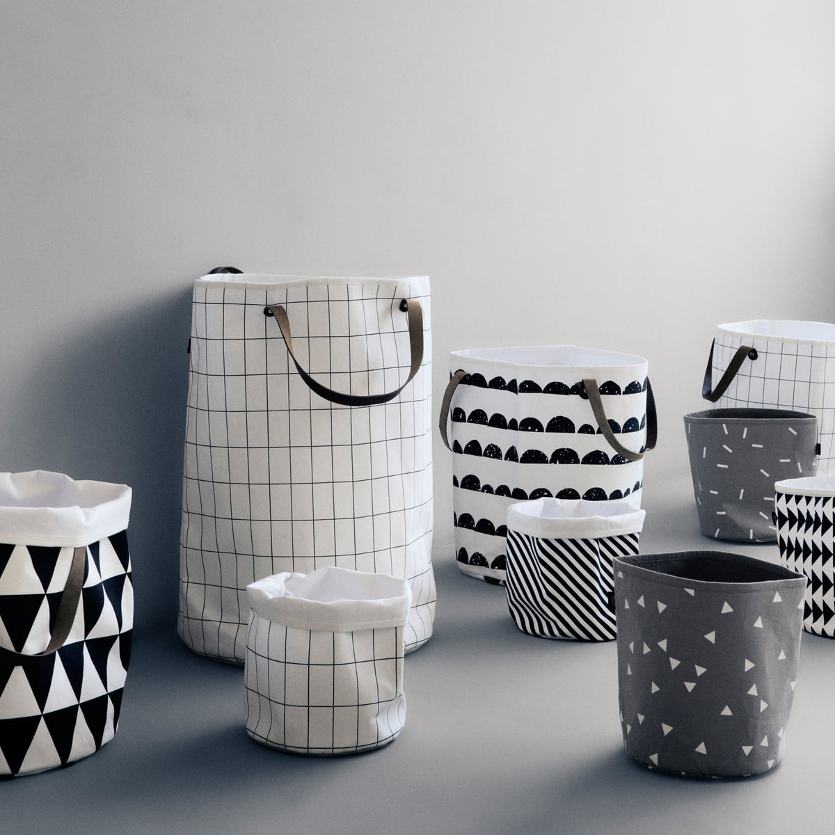 Half moon laundry basket by ferm living - Panier de rangement tissu ...