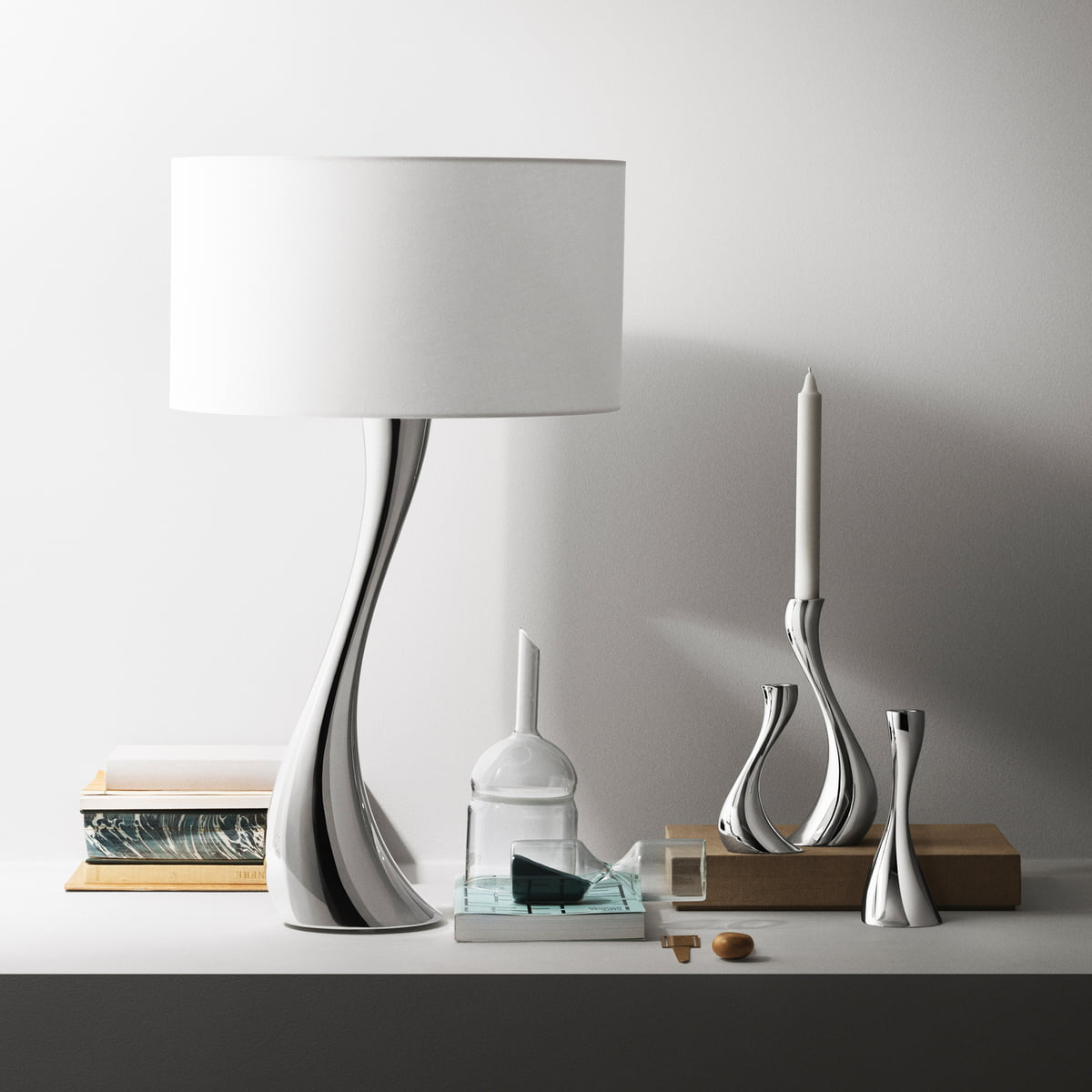 the cobra table lamp by georg jensen in the shop. Black Bedroom Furniture Sets. Home Design Ideas
