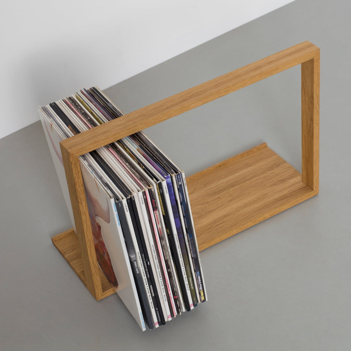 the bseite records shelf by das kleine b in shop. Black Bedroom Furniture Sets. Home Design Ideas