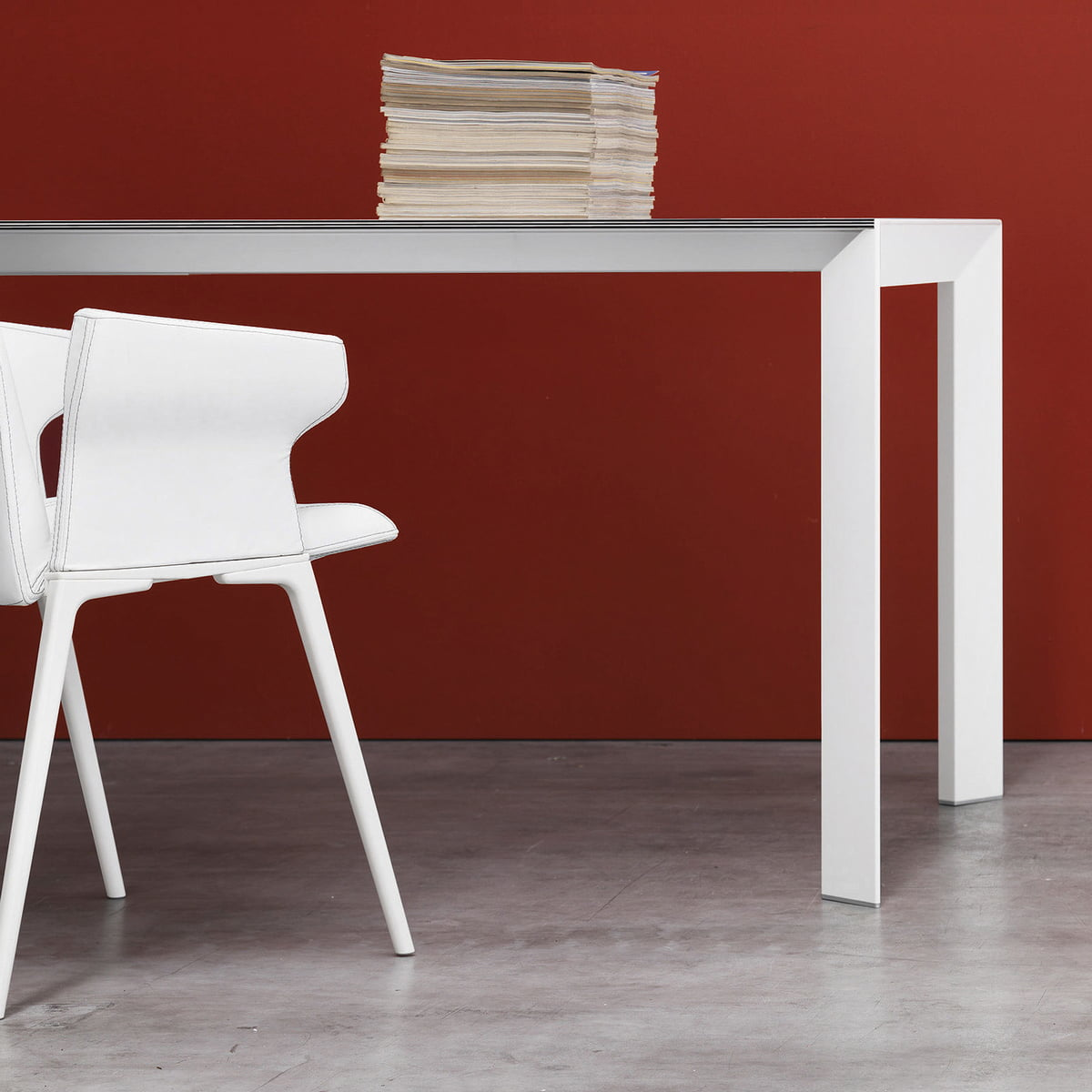 The nori dining table by kristalia for Table kristalia