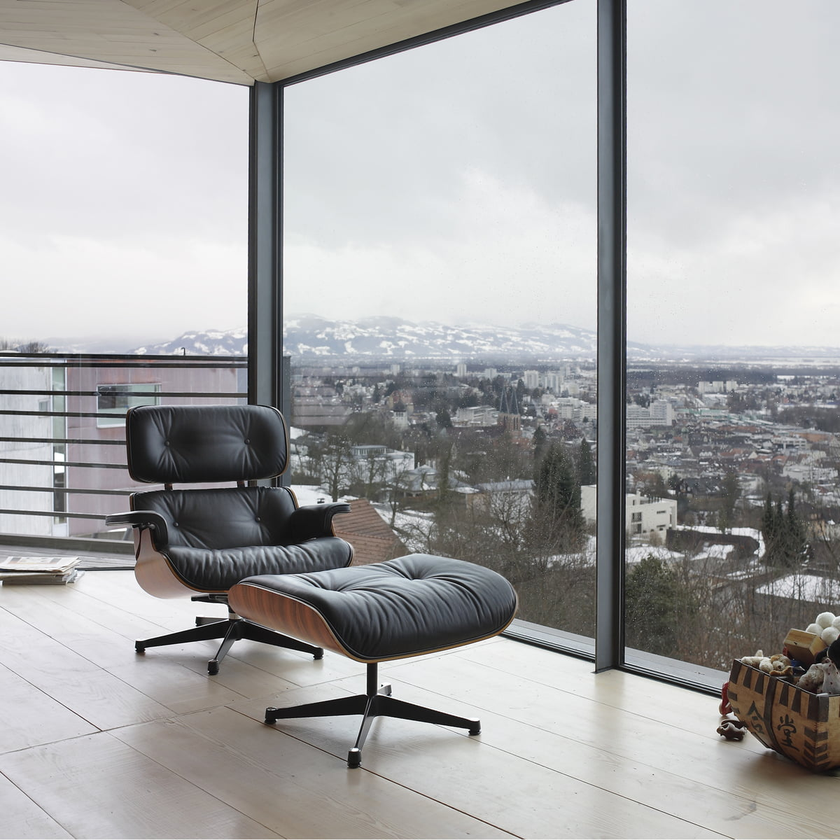 black vitra lounge chair in walnut in the shop. Black Bedroom Furniture Sets. Home Design Ideas