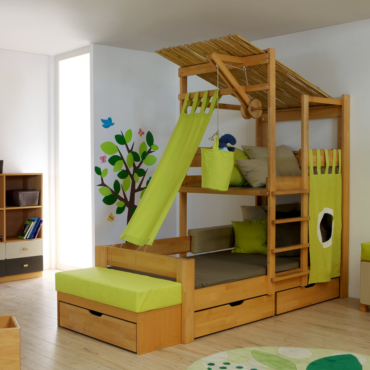 Small Children Want To Get Way Up High. Treehouse Bed ...