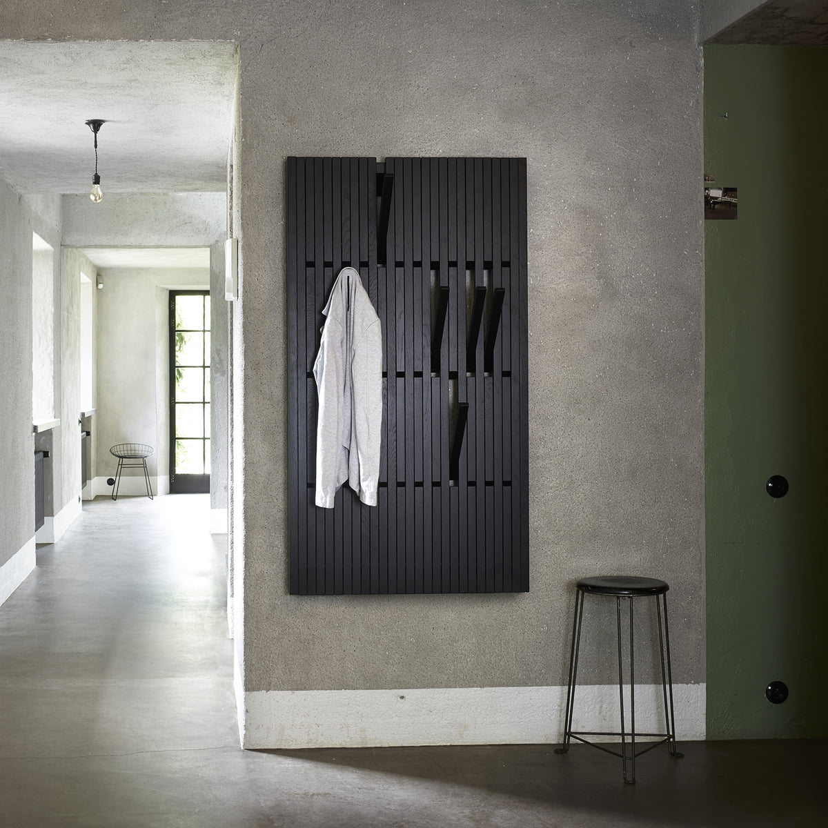 Piano hanger coat rack by peruse in the shop for Garderobe schwarz