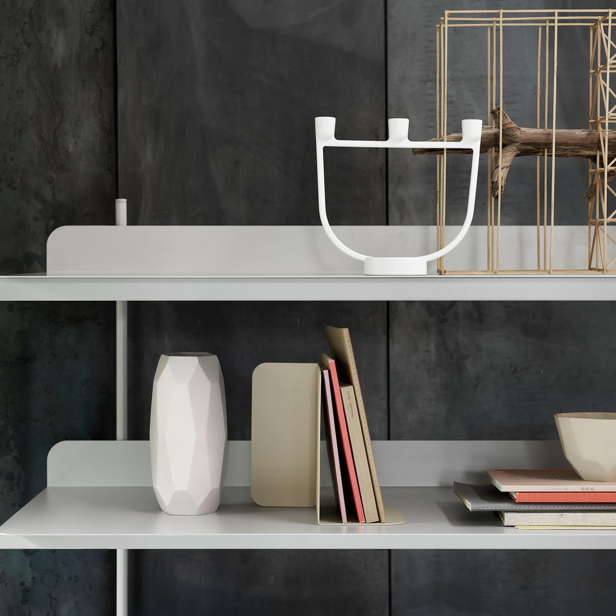 compile shelving system config 4 by muuto. Black Bedroom Furniture Sets. Home Design Ideas