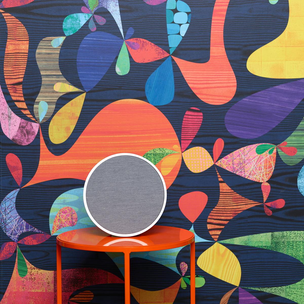 Tivoli-Audio-ART-Orb-weiss-grau-Beistelltisch-frei.jpg