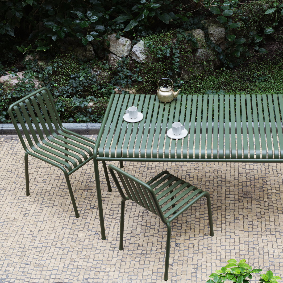 Palissade outdoor chair by hay in our shop for Table exterieur moderne