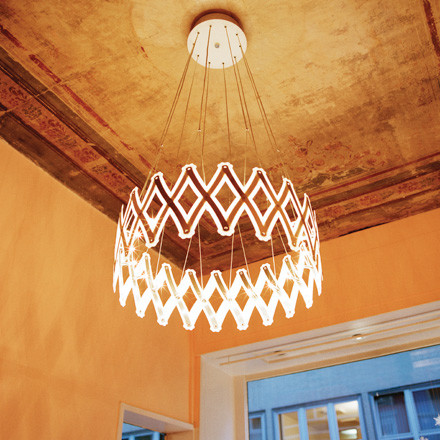 Festive and mordern - the Zoom pendant lamp