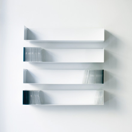 linea1 b _ CD-shelf