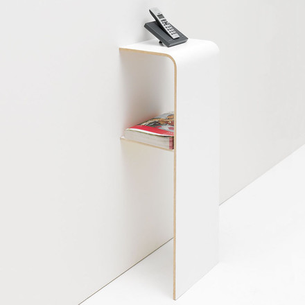 Design Shelf leaning against the Wall - Tojo find Console