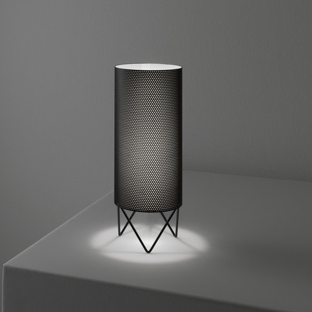 Gubi - Pedrera table lamp PD1, black, on a table